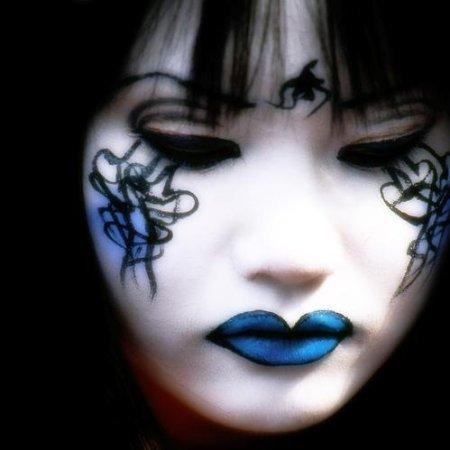 crazy_asians_makeup_05