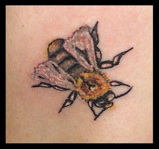 zoe+bee+close+up