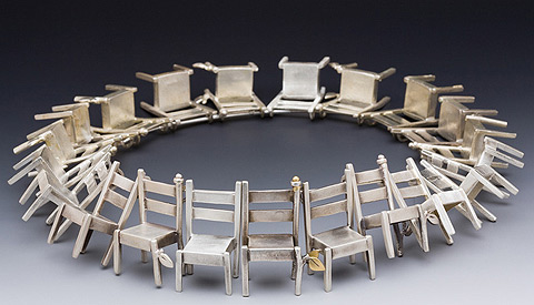 chairs-necklace