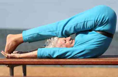 BETTE_CALMAN_YOGA_GRANDMA-6