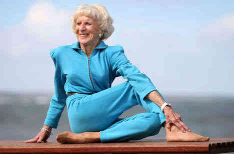 BETTE_CALMAN_YOGA_GRANDMA-8
