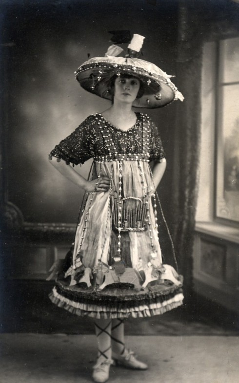 1919 Carousel Fancy Dress Costume
